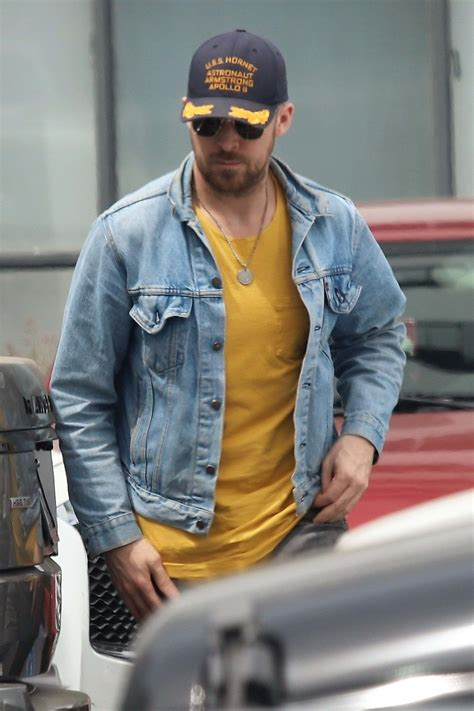 Ryan Gosling On Daddy Duties In Beverly Hills - Hollywood