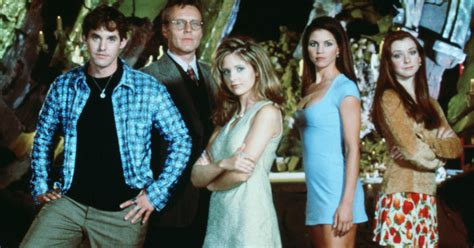 Buffy The Vampire Slayer Outfits 90s, 2000s Fashion