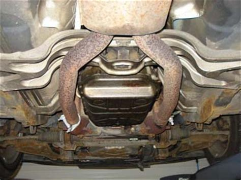 Rust on 1998 Jaguar XJ8 – Check out my pics! How worried