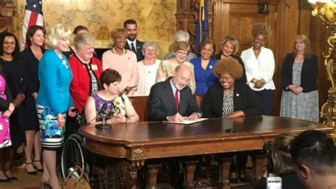 New executive order aims to close wage gap for some Pa